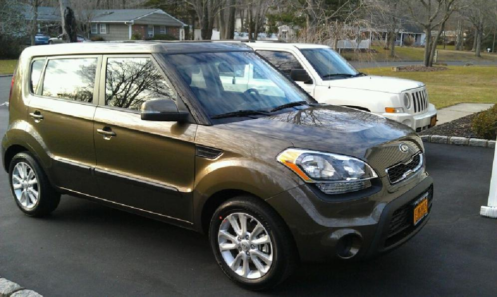 2015 kia soul pictures photos gallery green car reports. Black Bedroom Furniture Sets. Home Design Ideas