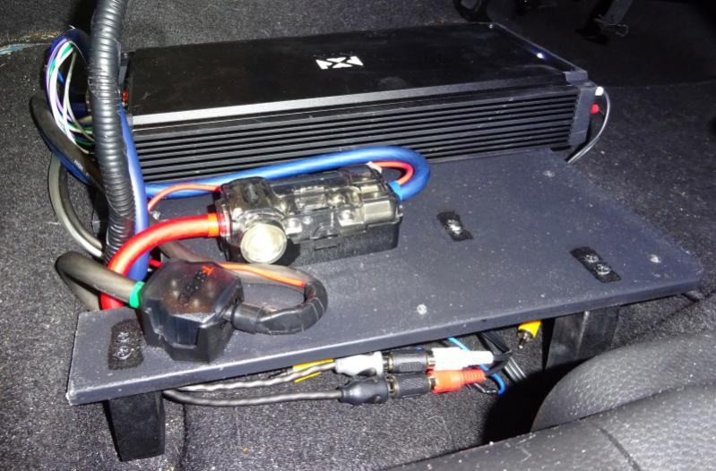 aftermarket amp install w/infinity w/nav - no cutting factory wires-dsc01819