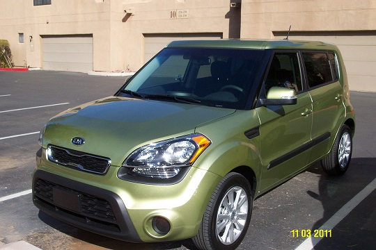 2012 Kia Soul (Color) Alien Green / Black Interior-picture-04.jpg